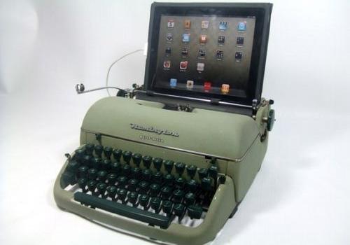 Máquina de escribir antigua como teclado de una PC, Mac o Ipad