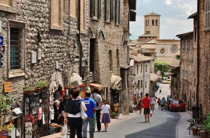 Paseo virtual por las calles de Asís, Italia