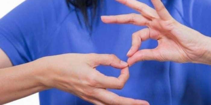Curso gratuito de lenguaje de señas en dos niveles: básico y avanzado