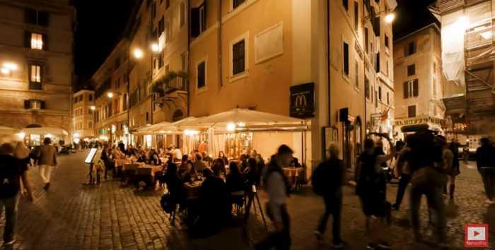 Paseo nocturno virtual por la ciudad de Roma en pandemia