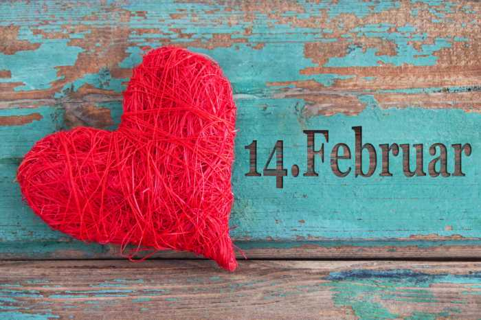 Fondos con el calendario febrero 2021 + fondos San Valentín